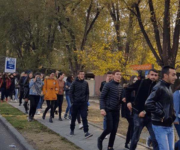 Բանասիրականի ուսանողները 3 օրով դադարեցնում են դասադուլը