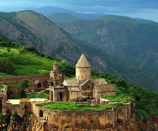 Երկիր հնամյա. Արթուր Մեսչյան