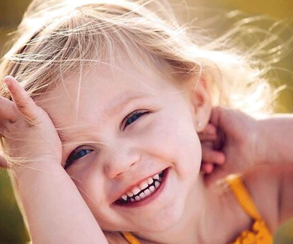 Երեխաները 20 անգամ ավելի շատ են ծիծաղում, քան մեծահասակները. Ծիծաղի օրն է