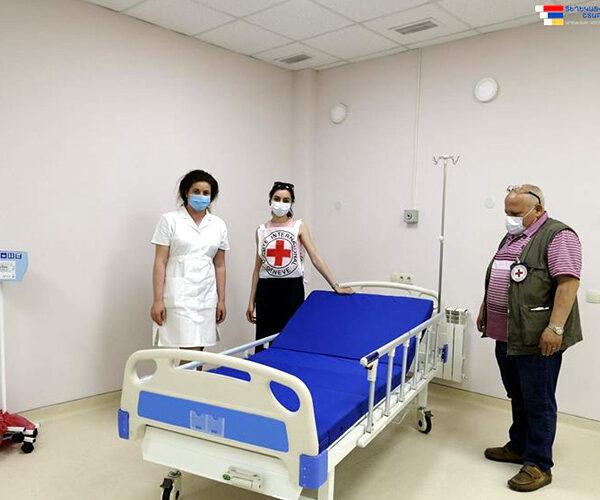 Կարմիր խաչի միջազգային կոմիտեի առաքելությունը Արցախին է նվիրաբերել 57 հիվանդանոցային մահճակալ