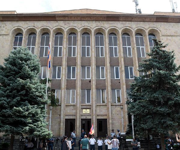 Արմեն Սարգսյանը կդիմի Սահմանադրական դատարան