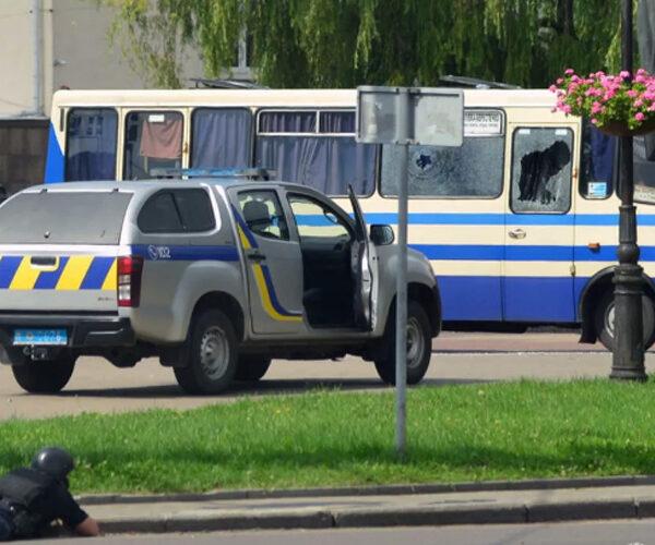 Ուկրաինայում 44-ամյա քաղաքացին պատանդ է վերցրել ավտոբուսի 20 ուղեւորի