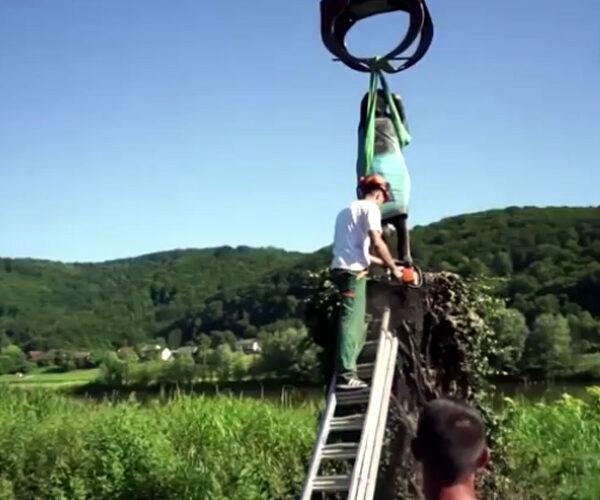 Սլովենիայում հանել են Մելանյա Թրամփի արձանը (տեսանյութ)