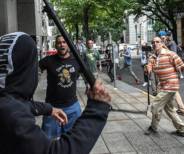 Բռնությունները կարող են դադարեցվել միայն բռնի ուժով. Թրամփ