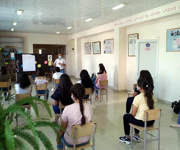 Աշակերտների հետ քննարկումներ են կազմակերպվել կրթության հիմնախնդիրների և զարգացման հեռանկարների շուրջ