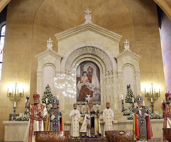 Հայ Եկեղեցին նշում է Աստվածամոր ծննդյան տոնը