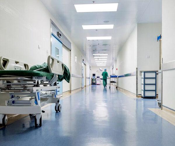 77-ամյա պացիենտը հիվանդասենյակի պատուհանից նետվել է ցած