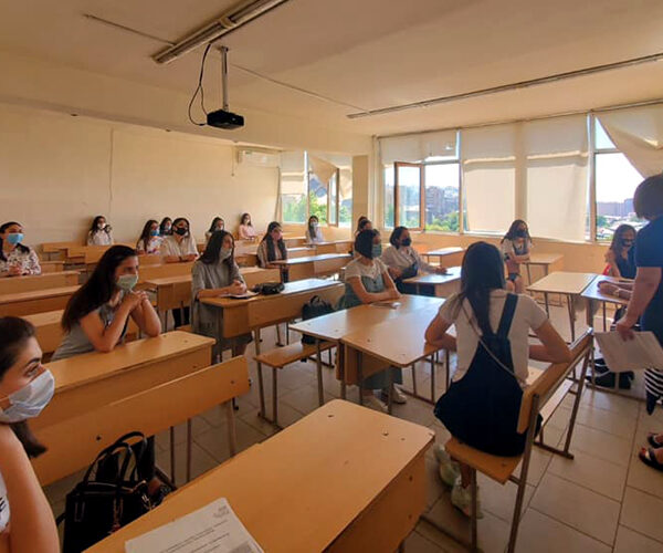 Այն ուսանողները, ովքեր չեն կարողացել վճարել վարձի առնվազն 25%-ը, ըստ կարգի, պետք է չմասնակցեն միջանկյալ քննություններին, սակայն…
