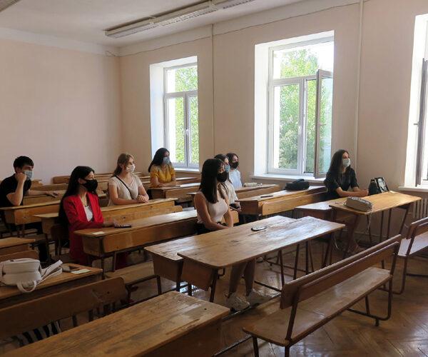 Քննարկվել են Արցախի դպրոցականների եւ ուսանողների կրթության կազմակերպման հարցերը