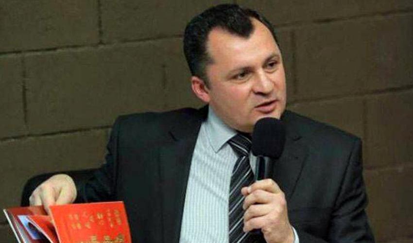 Արտակ Մովսիսյան