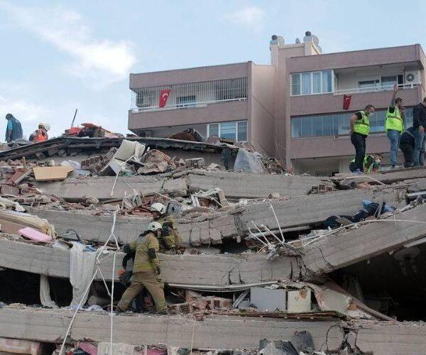 Թուրքիայում երկրաշարժի զոհերի թիվը հասել է 12-ի, վիրավորների թիվն անցել է 400-ը (տեսանյութ)