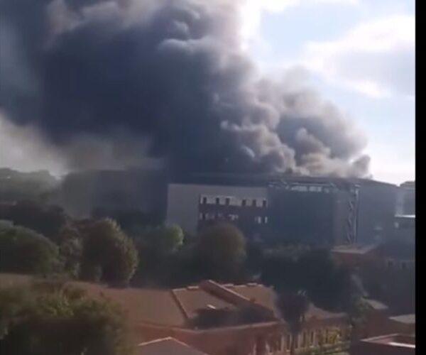 Ստամբուլում հիվանդանոց է այրվում (տեսանյութ)
