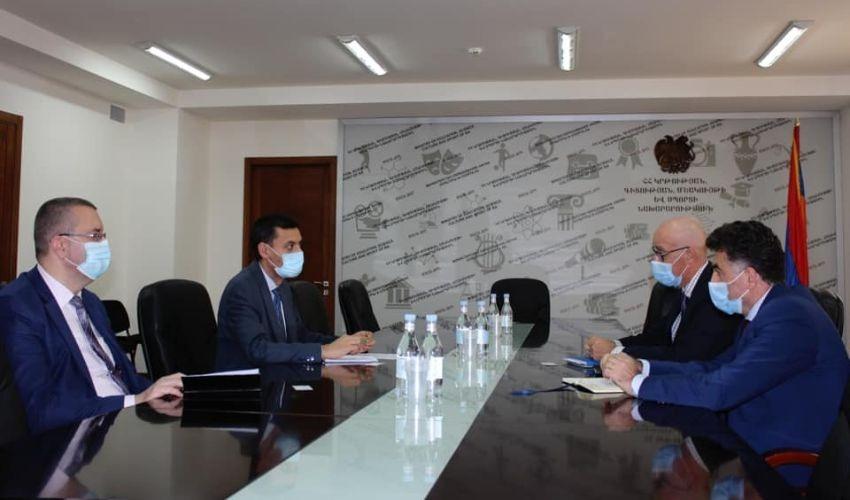 ԿԳՄՍ փոխնախարար-Ֆրանսիական հաալսարանի ռեկտոր հանդիպում