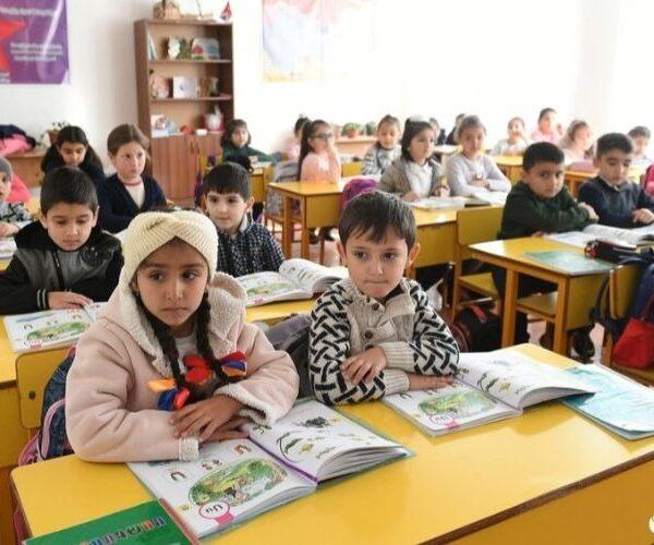 Ստեփանակերտում երեխաները կրկին դպրոց են գնում (տեսանյութ)