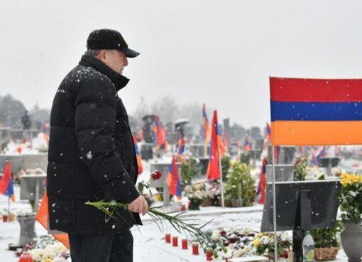 Արմեն Սարգսյանը Եռաբլուրում
