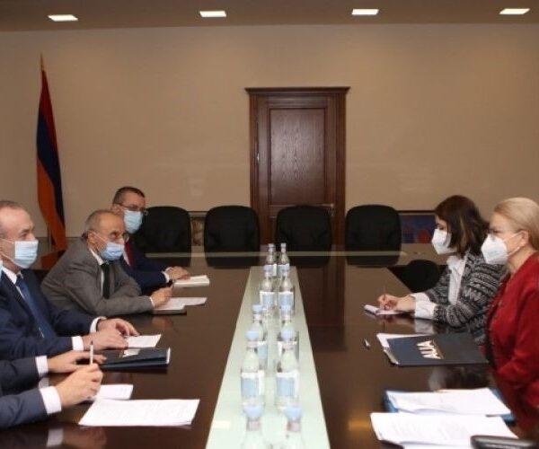 ԿԳՄՍ նախարարն ընդունել է Հայաստանում ամերիկյան համալսարանի պատվիրակությանը