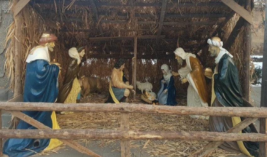 Սուրբ ծնունդ, Հիսում