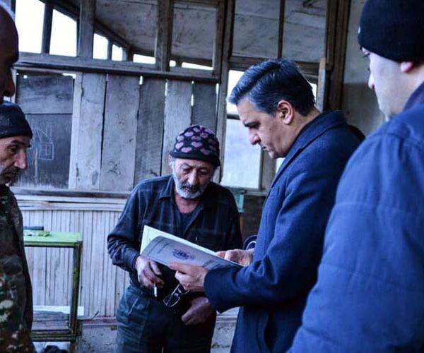 Շուռնուխի բնակչի անասնաշենքը բաժանվել է 2 մասի` «ադրբեջանական» և «հայկական»