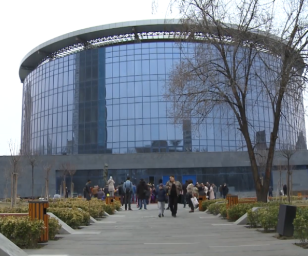 Երևանում բացվել է Լեոնիդ Ենգիբարյանի անվան պուրակը (տեսանյութ)