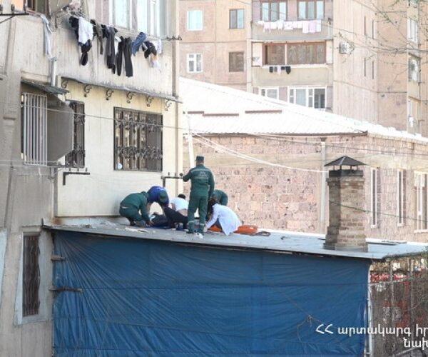 Դավթաշենում շենքերից մեկի առաջին հարկի պատշգամբի ծածկին տղամարդ է ընկել