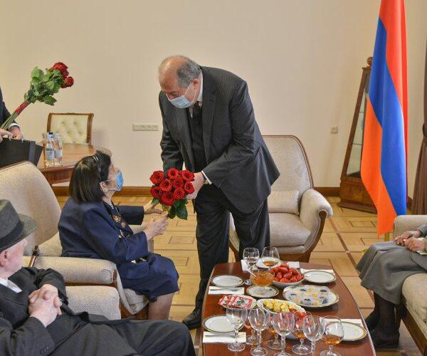 Արմեն Սարգսյանը հյուրընկալել է Հայրենական մեծ պատերազմի մի խումբ վետերանների. տեսանյութ