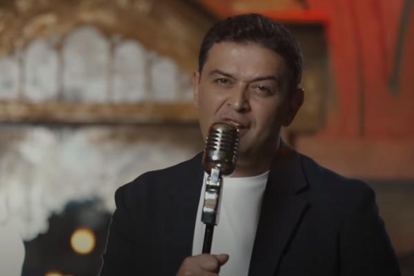 Արսեն Սաֆարյանը երկրպագուներին է ներկայացրել «Ինչ կա-չկա» երգը