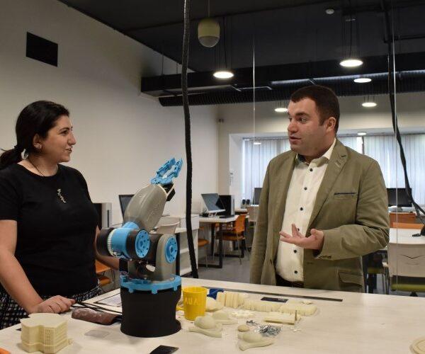 ԿԳՄՍ փոխնախարարն այցելել է Հայաստանի ամերիկյան համալսարան