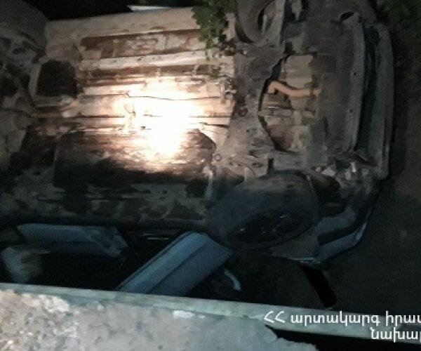 ՃՏՊ Կապանում. «Suzuki»-ն բախվել է գազատար խողովակին և գլխիվայր հայտնվել կամրջի տակ