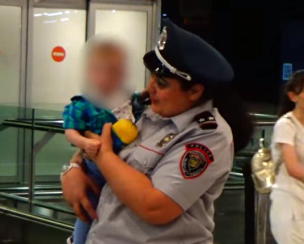 1 տարեկան երեխան, ում մայրը մահացել էր ՌԴ-ում, վերադարձել է Հայաստան. տեսանյութ