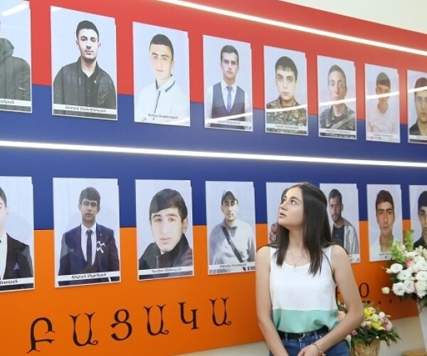 ՀՊՏՀ-ում բացվել է Արցախյան 44-օրյա պատերազմում զոհված ուսանողներին նվիրված լսարան